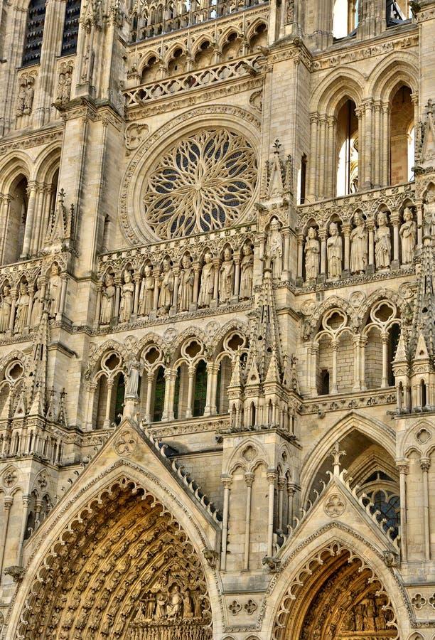 Somme, die malerische Stadt von Amiens stockbilder
