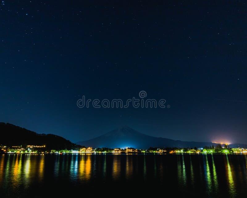 Sommeil le mont Fuji image libre de droits