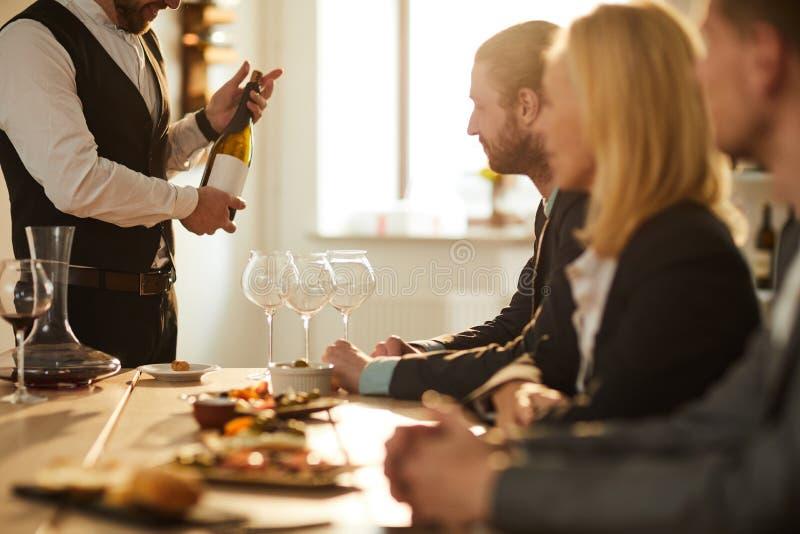 Sommelier Presenting Wine royalty-vrije stock foto's