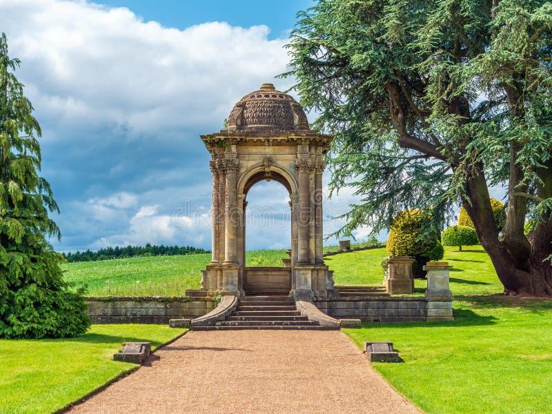 Sommer-Haus in den Witley-Gerichtsgärten, Worcestershire lizenzfreie stockfotografie