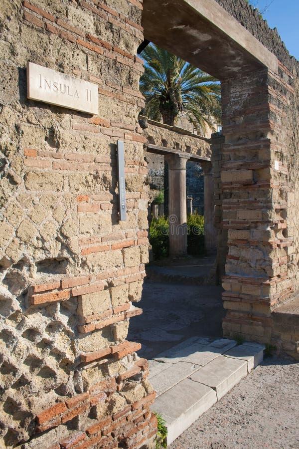 Sommer im Italien-Gatter in den Ercolano Ruinen stockfoto