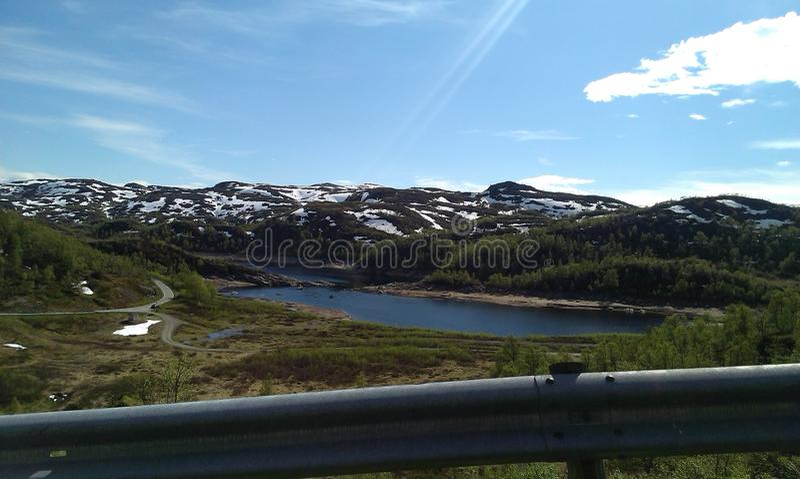 Sommer in Norwegen lizenzfreies stockbild