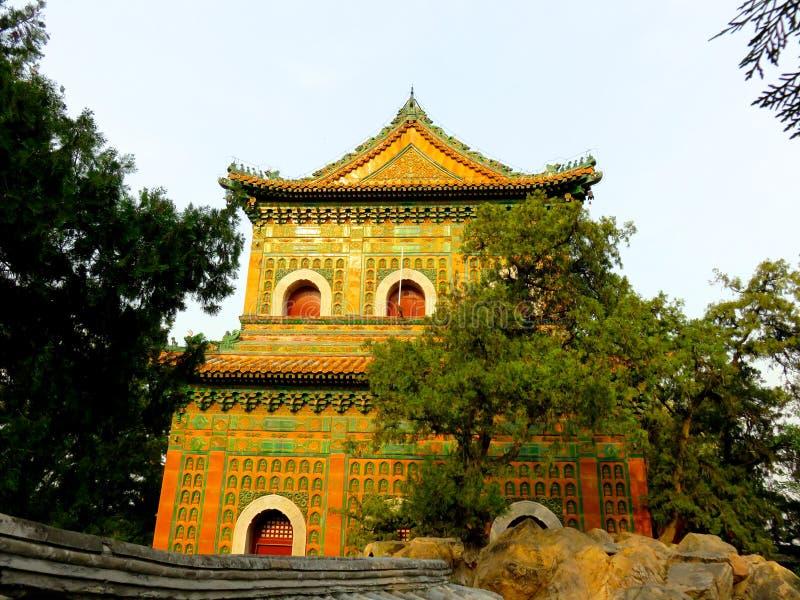 Sommer-Palast-Gebäude lizenzfreie stockbilder
