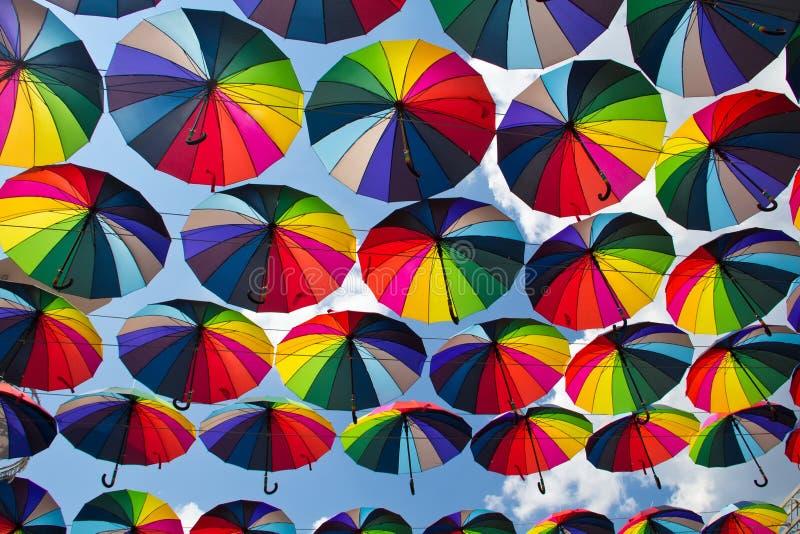 Sommer-Regenschirme an Arkadia-Gasse lizenzfreies stockbild