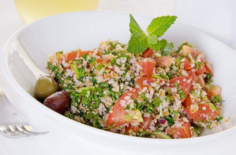 Download Sommer Tabouli Salat stockbild. Bild von getränk, oliven - 9098875