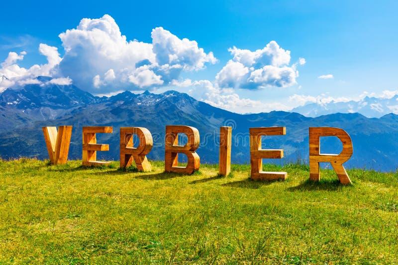 Sommer in Verbier, Alpen-Berge, die Schweiz lizenzfreie stockbilder