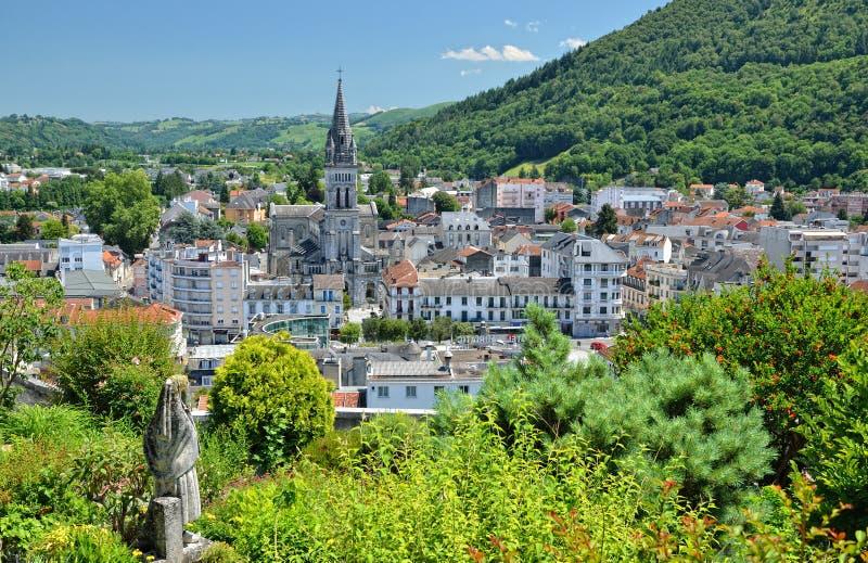 Sommeransicht von Lourdes lizenzfreie stockfotos