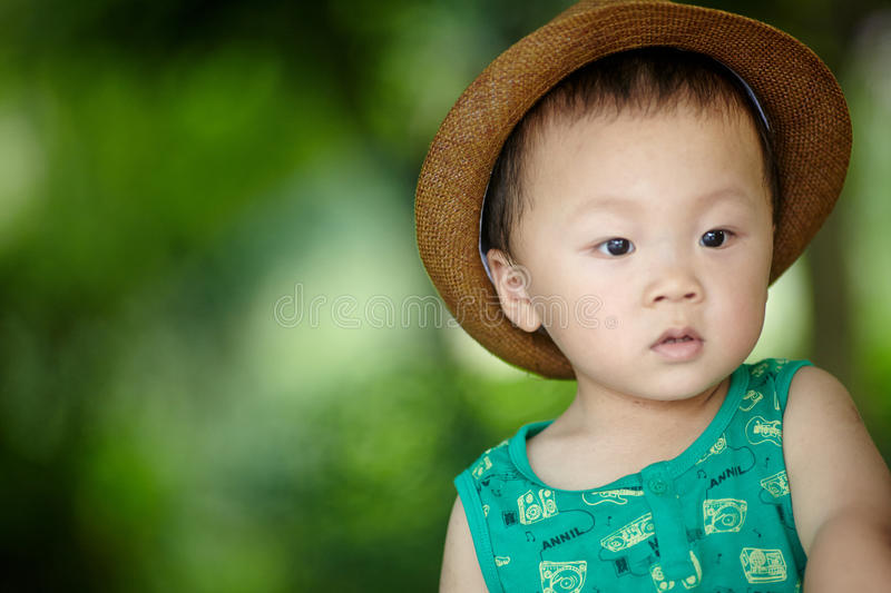 Sommerbaby lizenzfreies stockfoto