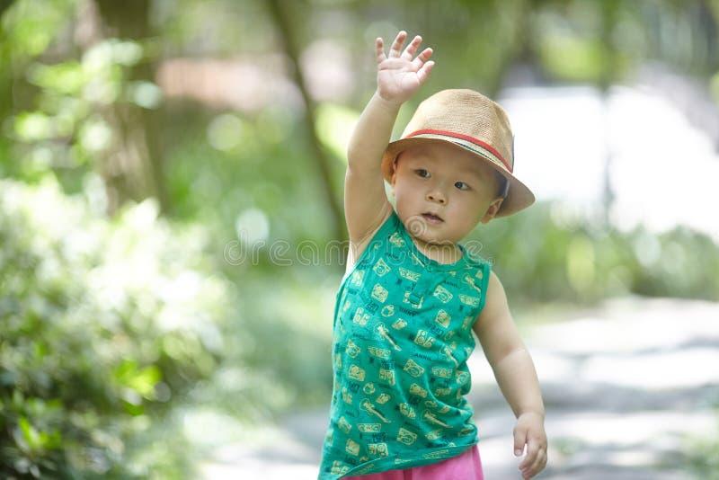 Sommerbaby lizenzfreie stockfotografie