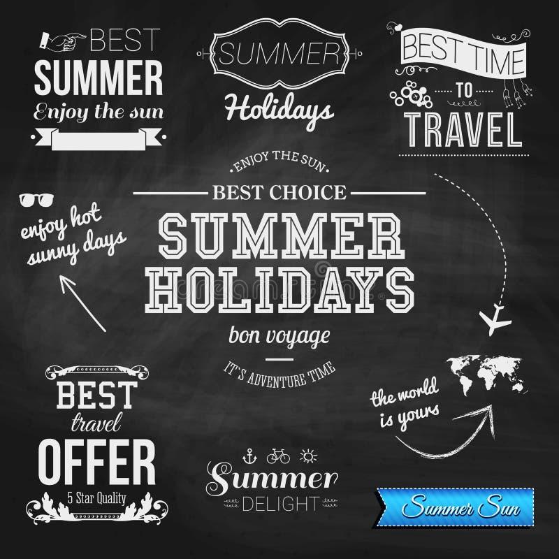 Sommerdesign auf Tafelhintergrund Satz des typografischen Aufklebers vektor abbildung