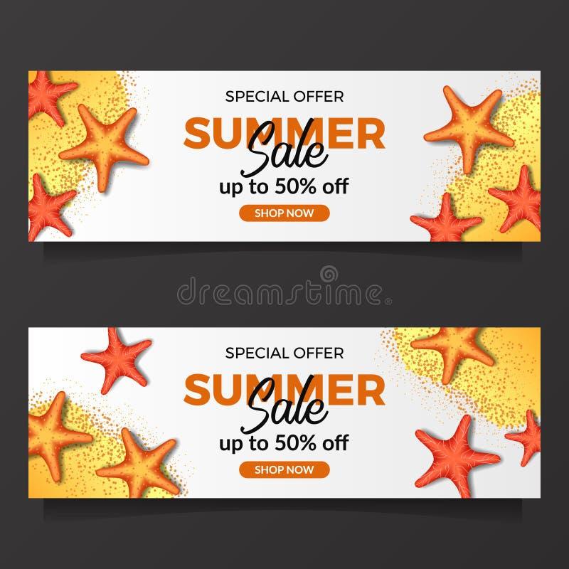 Sommerferien-Verkaufsangebot mit Illustration von Starfish und von Sand von der Draufsicht lizenzfreie stockfotografie