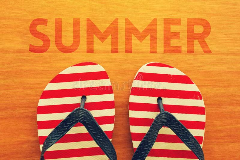 Sommerferienjahreszeit ist hier lizenzfreies stockfoto