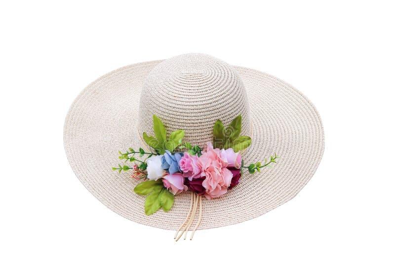 Sommerfrauenhut mit den dekorativen bunten Blütenstandplastikblumen lokalisiert auf weißem Hintergrund mit Beschneidungspfad stockfoto