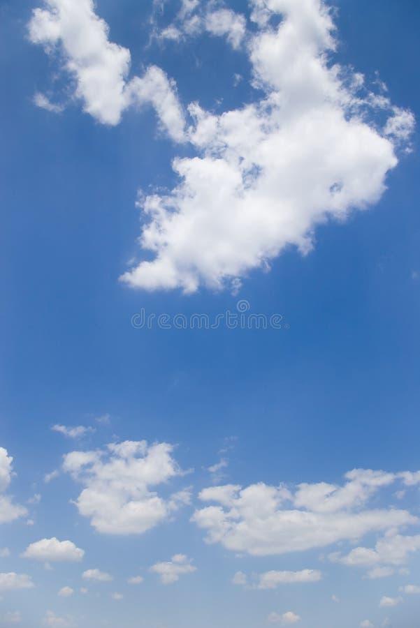 Sommerhimmel lizenzfreie stockfotos