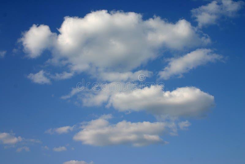 Sommerhimmel lizenzfreie stockbilder
