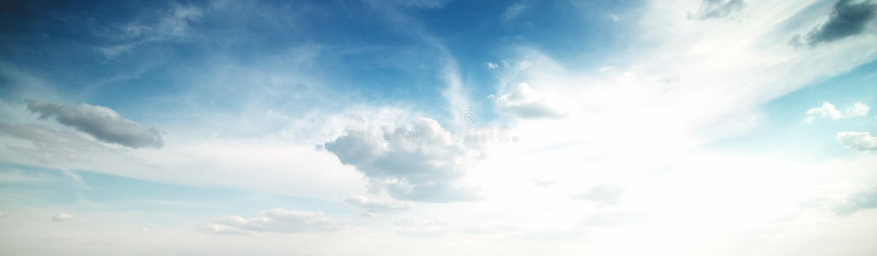 Sommerhimmelwolken stockfotos