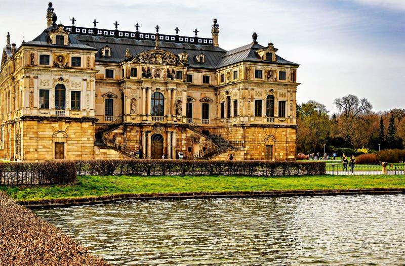 Sommerpalais в большем саде Дрездене