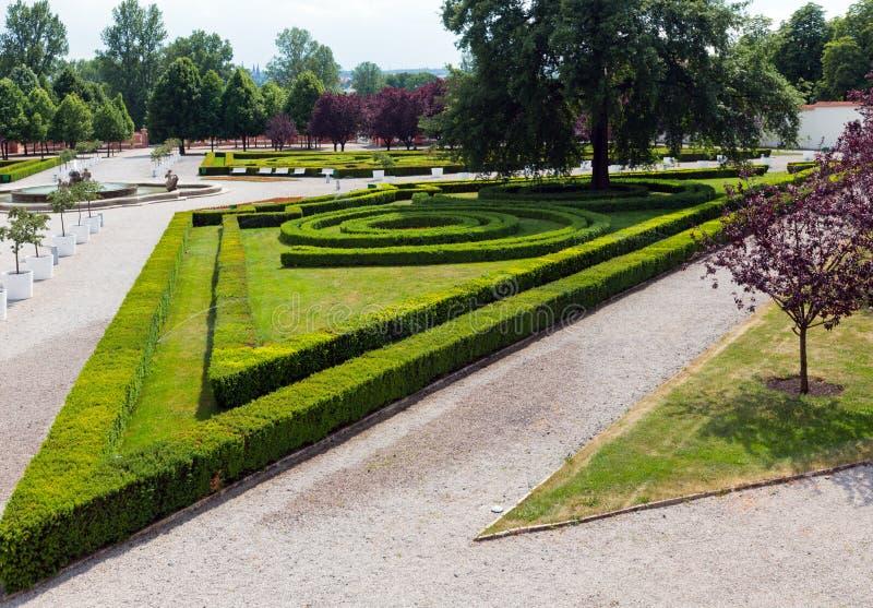 Sommerpark. Troja Palast (Prag, tschechisch) lizenzfreies stockbild