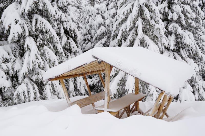 Sommerpicknickplatz für die Trekkers, an einem Wintermorgen stockbild