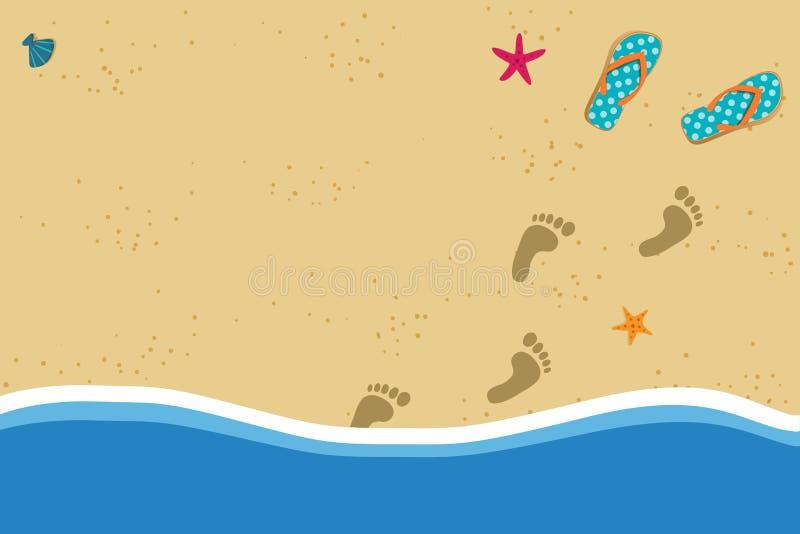 Sommerrahmen mit KopienraumFlipflops und Fuß druckt auf Hintergrund des sandigen Strandes stock abbildung