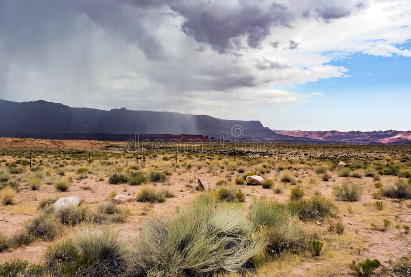 Sommerregen, Marmorschlucht Hwy 89 lizenzfreie stockfotografie