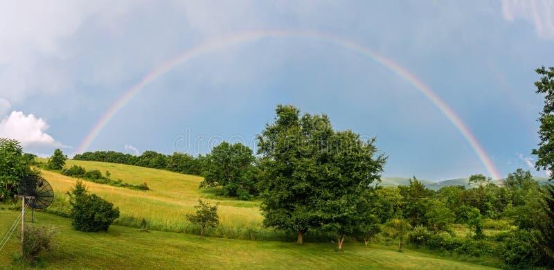 Sommerregenbogen stockfotos