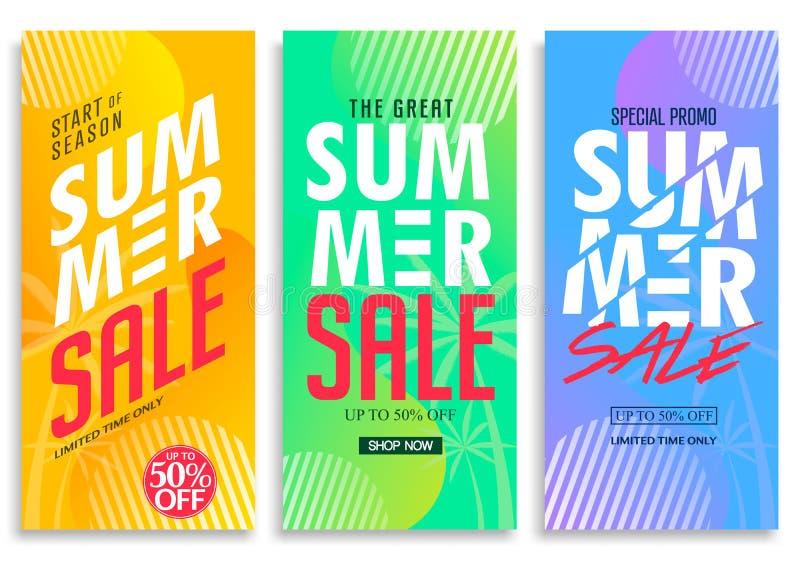 Sommerschlussverkauf-Vertikale ziehen die Fahne hoch, die mit hellem klarem Steigungs-Hintergrund eingestellt wird lizenzfreie abbildung