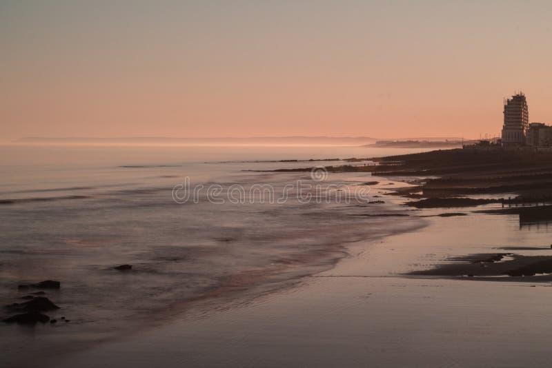 Sommersonnenuntergang in Großbritannien lizenzfreies stockbild