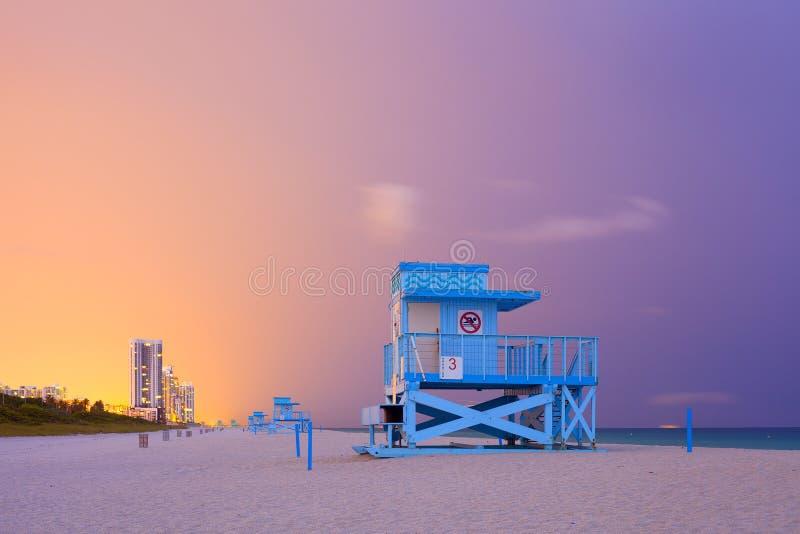 Sommerszene im Miami Beach Florida lizenzfreie stockbilder