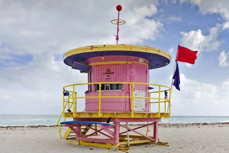 Sommerszene mit einem Leibwächterhaus in Miami Beach lizenzfreies stockfoto