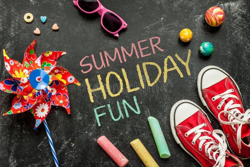Sommerurlaubsspaß, Plakatdesign, Kindheit stockfotos