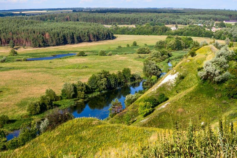 Download Sommerzeitlandschaft - River Valley Des Siverskyi Seversky Donets Stockfoto - Bild von grenzstein, wälder: 96934772