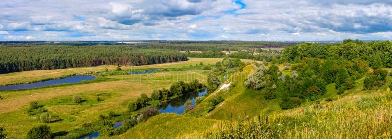 Download Sommerzeitlandschaftsfahne, Panorama - River Valley Des Siverskyi Seversky Donets Stockfoto - Bild von grün, schönheit: 96935282
