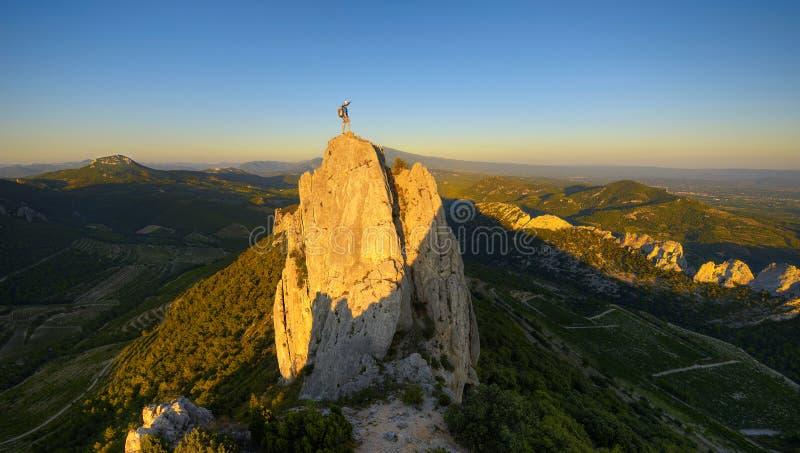 Sommet deux de grimpeur photo libre de droits