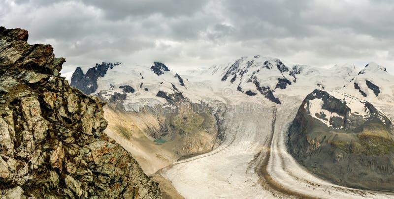 Sommità di Monte Rosa con il più alto picco della Svizzera Dufourspitz fotografia stock libera da diritti