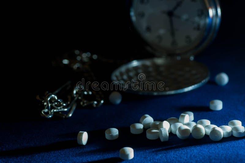 Somníferos blancos en foco imágenes de archivo libres de regalías