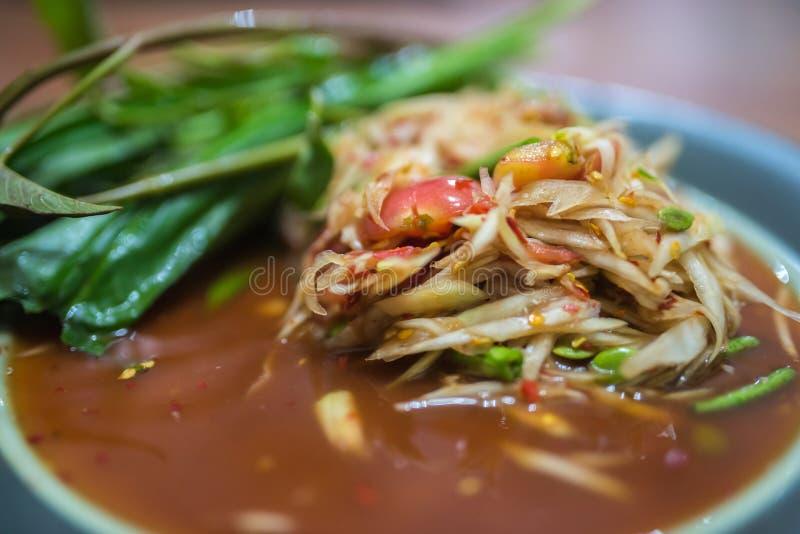Somtum, papaya σαλάτα, διάσημος ταϊλανδικός στενός επάνω τροφίμων με το stricky ρύζι στοκ φωτογραφία με δικαίωμα ελεύθερης χρήσης