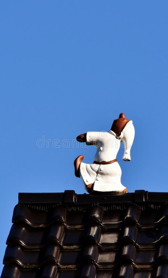 Sonâmbulo no telhado fotos de stock