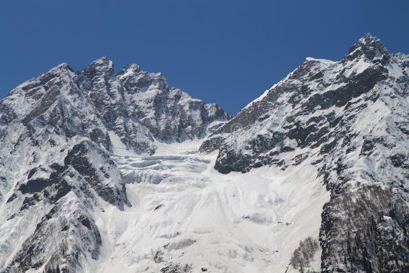 Sonamarg, Srinagar, India: Piękny krajobraz z śnieżną górą fotografia stock