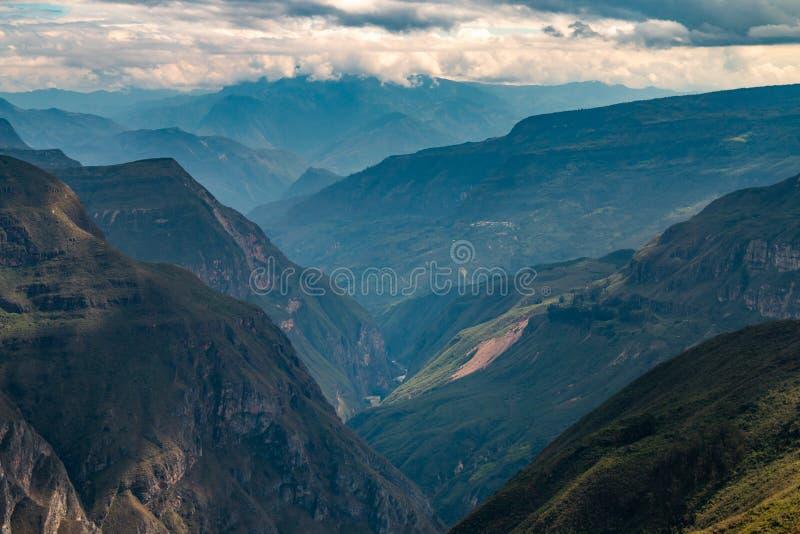 Sonche-Schlucht nahe der Stadt von Chachapoyas Peru stockfotografie