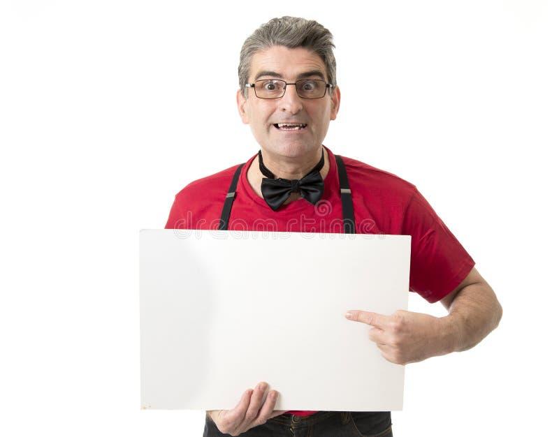 Sonderbares und lustiges 40s zum verrückten Mann der Verkäufe 50s mit bowtie und rotem s stockbilder