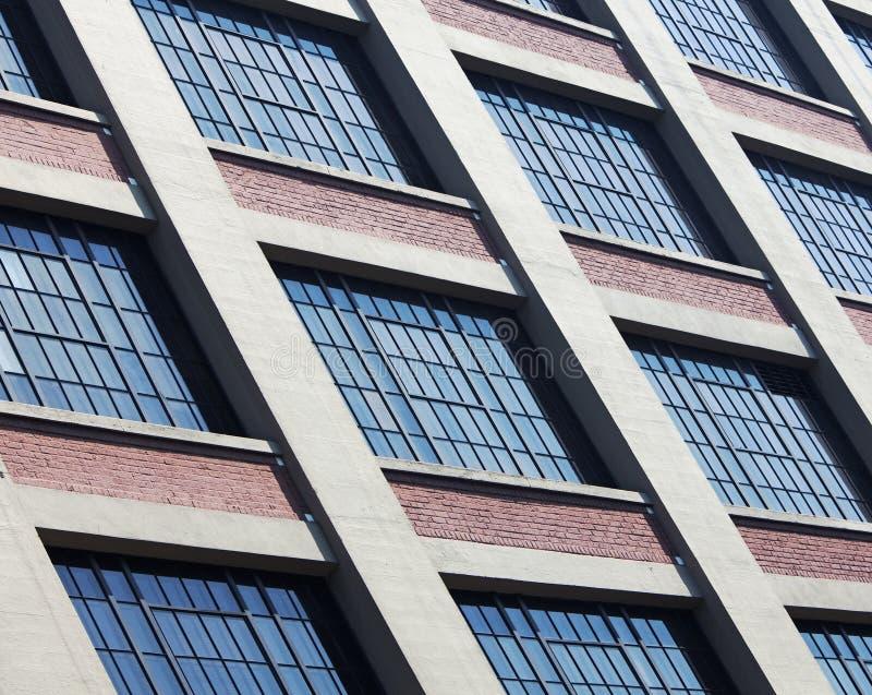 Sonderkommando der Seite des Gebäudes lizenzfreie stockfotografie
