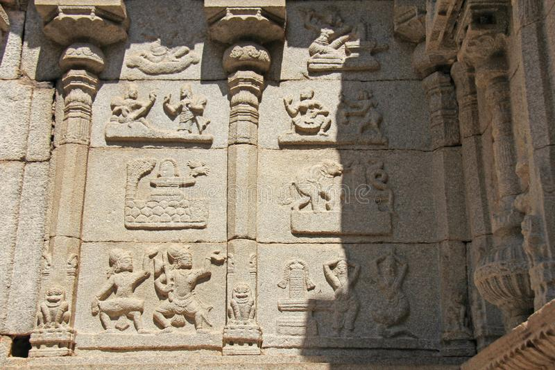 Sonderkommando von Shiva Virupaksha Temple, Hampi, Karnataka, Indien Steinflachreliefs stockfoto