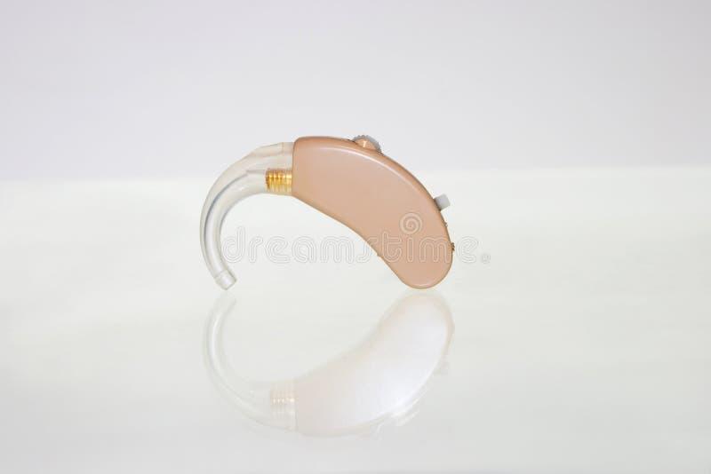 Sondern Sie Hörgerät aus lizenzfreies stockbild