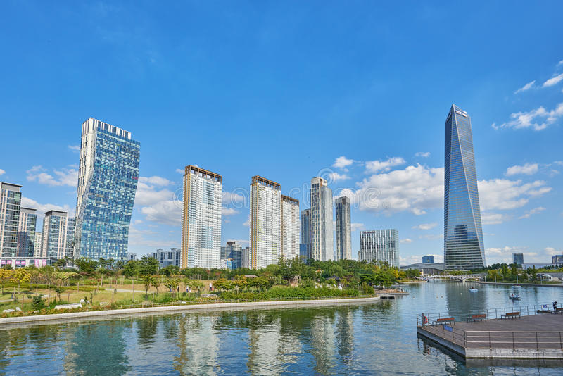 Download Songdo,韩国- 2015年9月07日:Songdo IBD 编辑类照片 - 图片 包括有 公园, 地标: 62530136