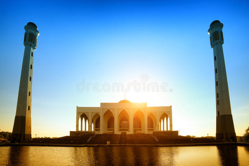Songkhlamoskee bij zonsondergang in Thailand royalty-vrije stock foto