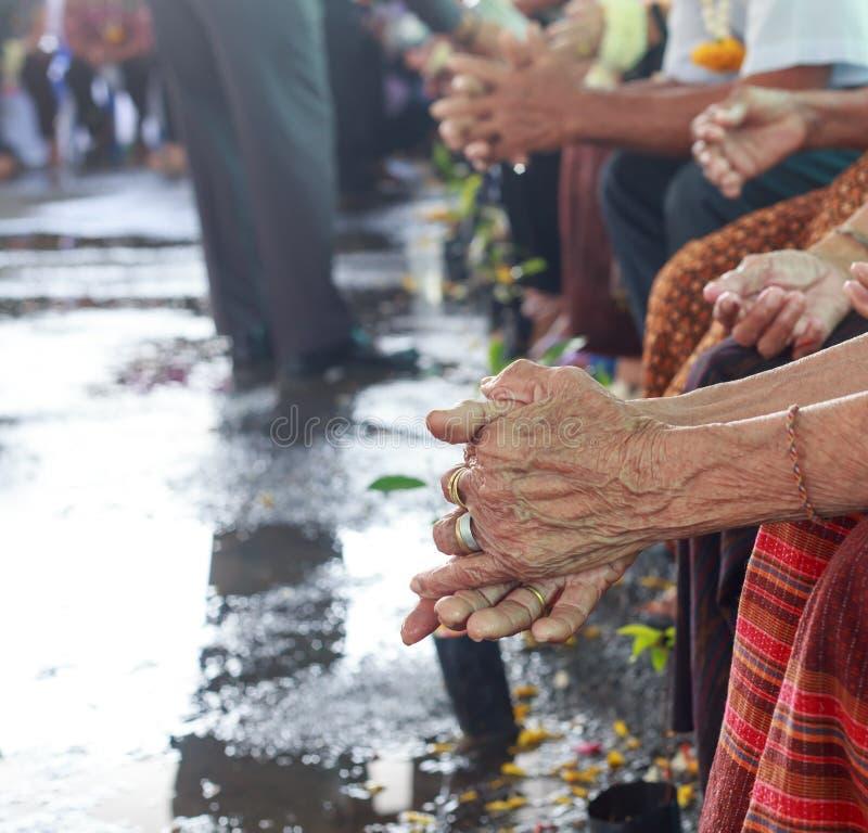 Songkran festiwal - Tajlandzki starej osoby dzień zdjęcia royalty free