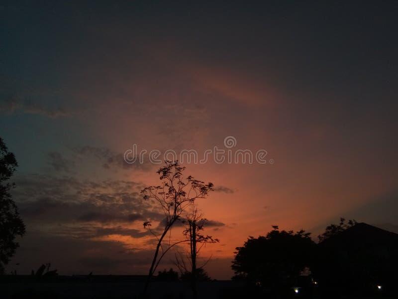 Songkran-Sonnenuntergang Romanze stockfotografie