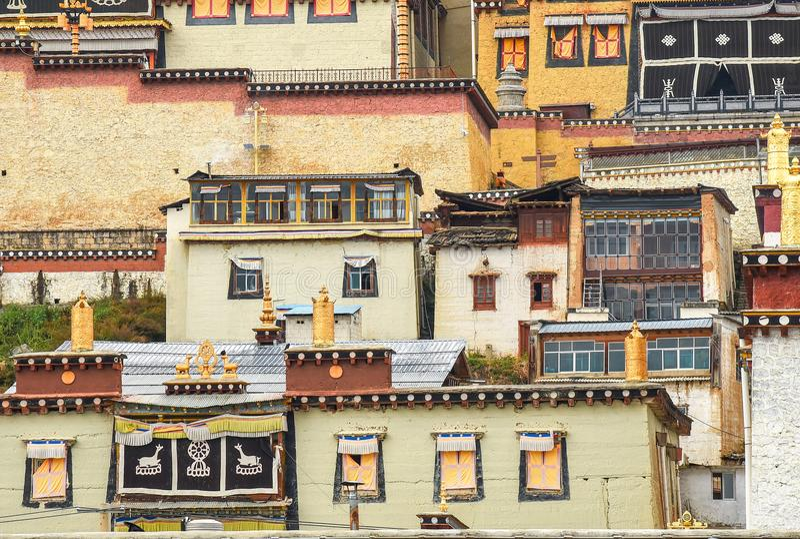 Songzanlin-Kloster in Zhongdian-Stadt lizenzfreie stockfotos