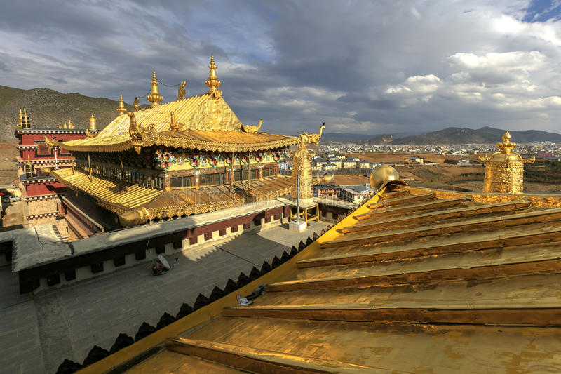 Songzanlin tibetan buddistisk kloster i Zhongdian, Yunnan Kina royaltyfria bilder